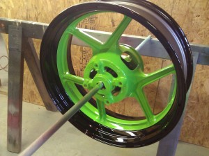 Painting some Kawasaki ZX6, ZX10 wheels