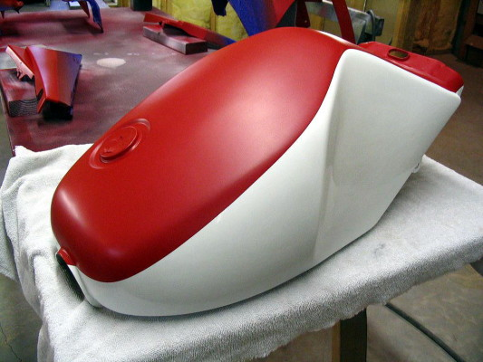 RZ350 tank with red and white painted on