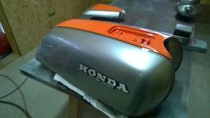 1977 Honda CB750 restoration- paint!